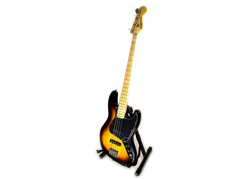 Squier '77 Jazz Bass